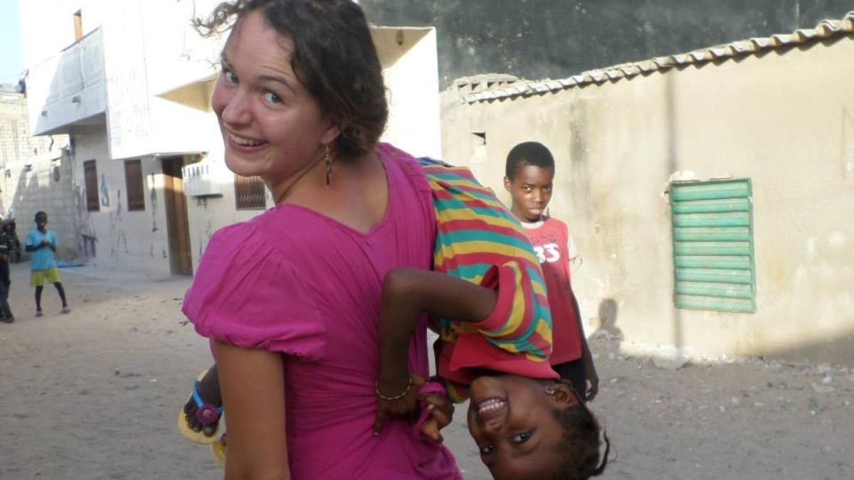 wolontariat w dzielnicach biedy